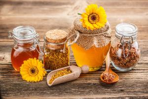Мишкина радость: в каком возрасте нужно есть мёд каждый день?