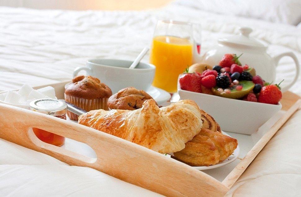Вкусный романтический завтрак